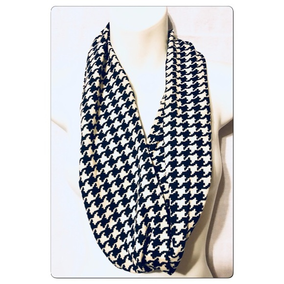 Accessories - Ivory and Black Houndstooth Infinity Scarf